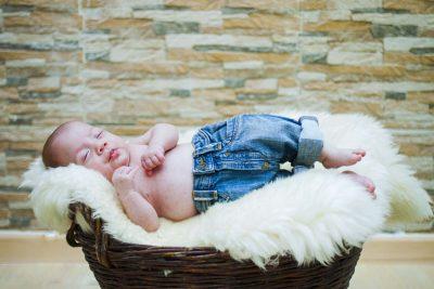 Neugeborene - Fotografin Guelten Hamidanoglu Koeln  newborn  16 von 17 400x267