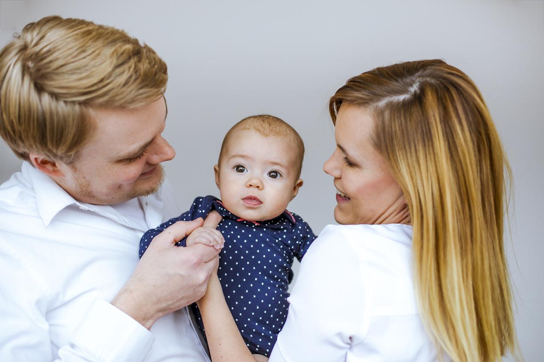 Paare und Familien - Babybauchfotografie Babybauchfotos Koeln Schwangerschaftsfotografie Schwangerschaftsfotos Troisdorf Fotografin Guelten Hamidanoglu