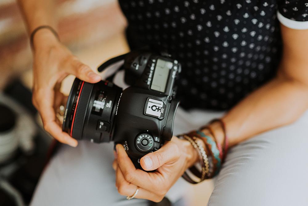 Eure Hochzeitsfotografin aus Köln für euch hinter der Kamera