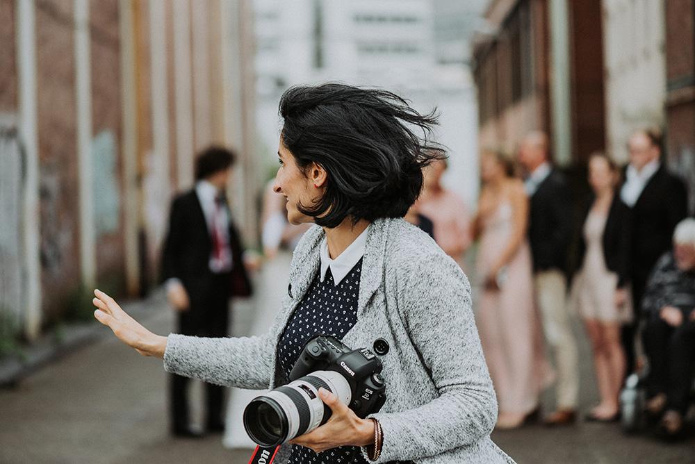 Eure Hochzeitsfotografin aus Köln für euch in Action