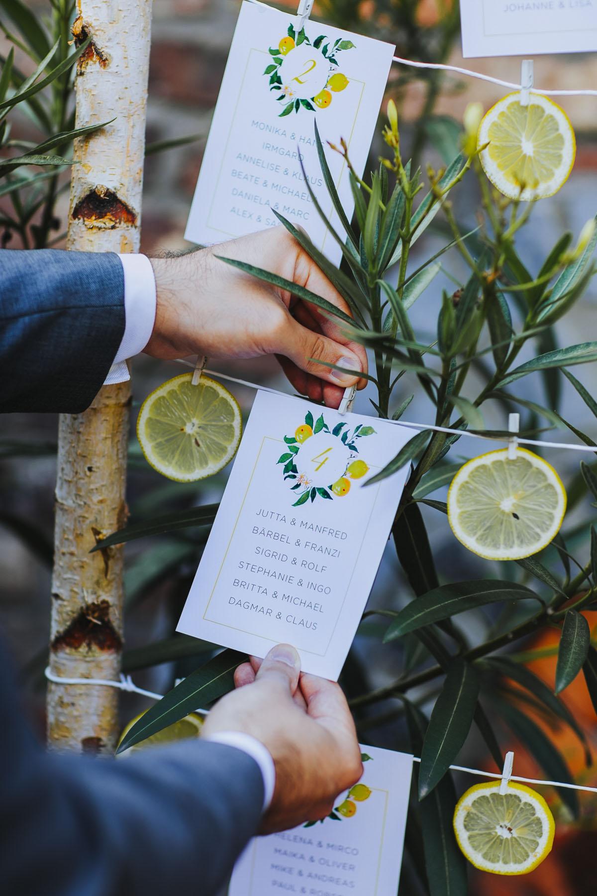 Benni + Thomas | Hurra, die Ehe für alle ist da! - Fotografin Guelten Hamidanoglu Koeln Hochzeiten Hochzeitsfotos  0568