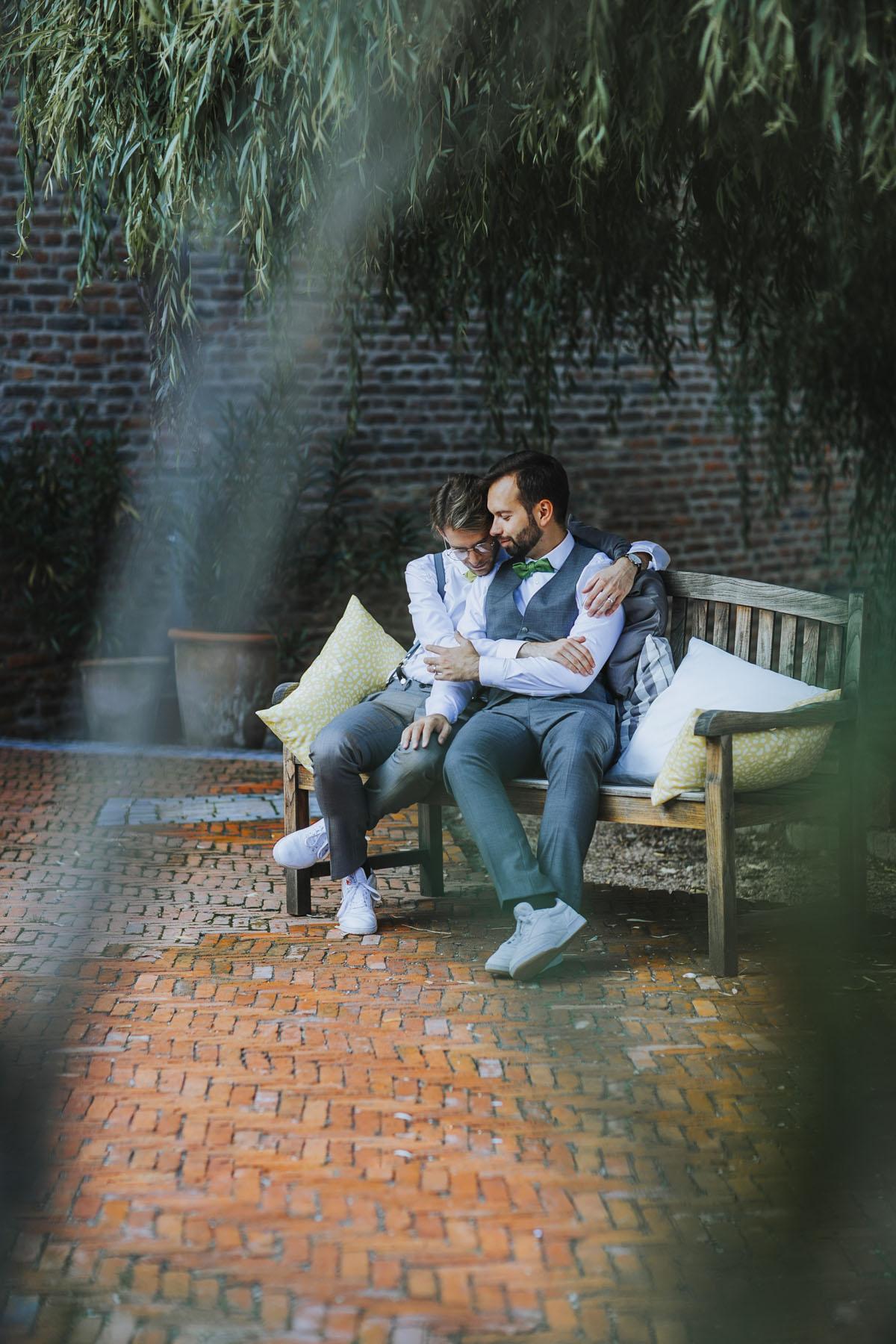 Benni + Thomas | Hurra, die Ehe für alle ist da! - Fotografin Guelten Hamidanoglu Koeln Hochzeiten Hochzeitsfotos  0915