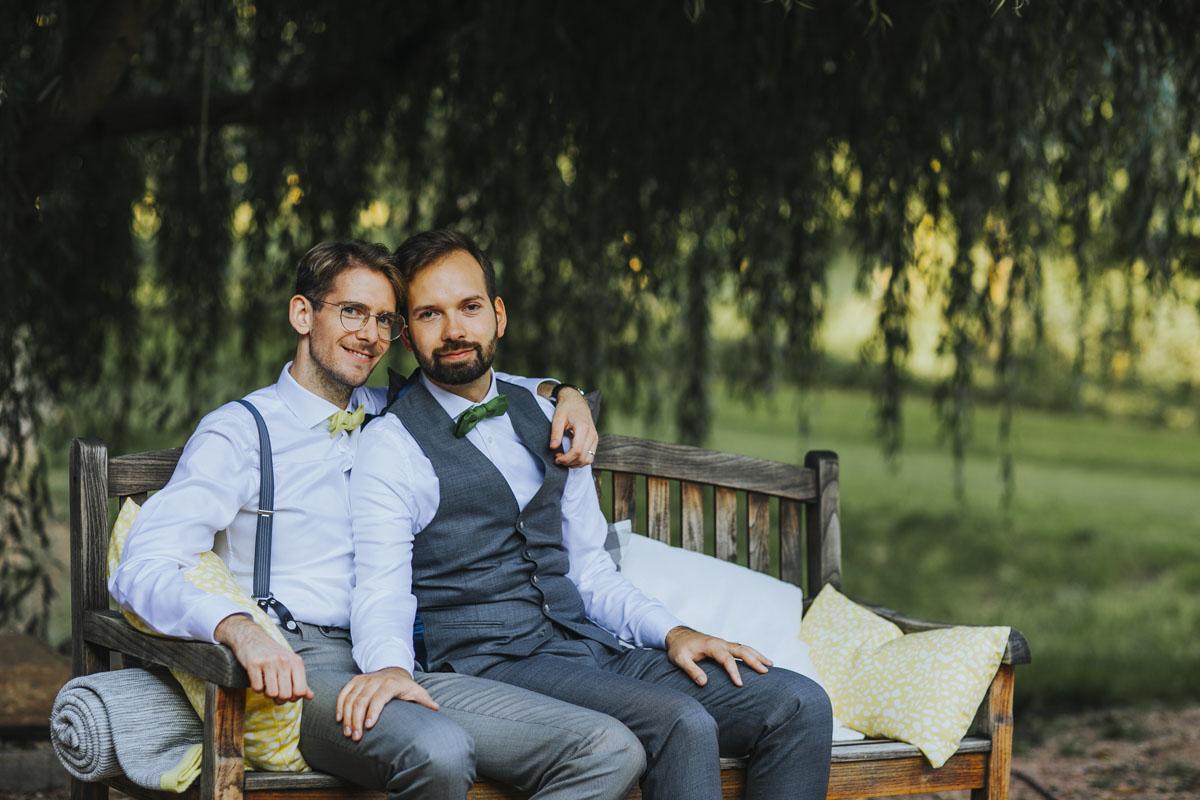 Benni + Thomas | Hurra, die Ehe für alle ist da! - Fotografin Guelten Hamidanoglu Koeln Hochzeiten Hochzeitsfotos  0973