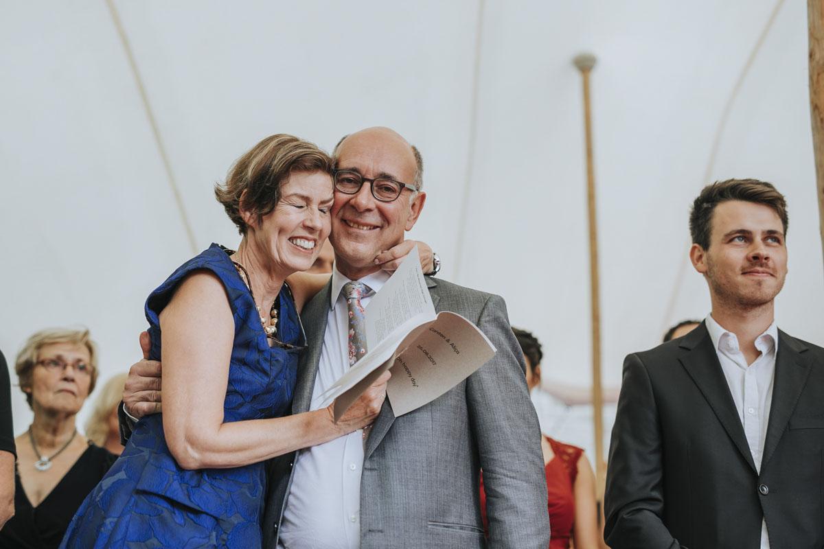 Alica+ Carsten | Freie Trauung im eigenen Garten - Fotografin Guelten Hamidanoglu Koeln Hochzeiten Hochzeitsfotos  115