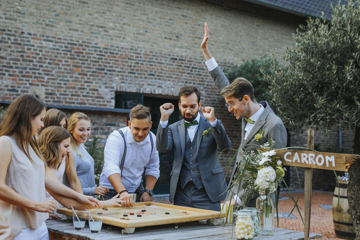 Benni + Thomas | Hurra, die Ehe für alle ist da! - Fotografin Guelten Hamidanoglu Koeln Hochzeiten Hochzeitsfotos  1442