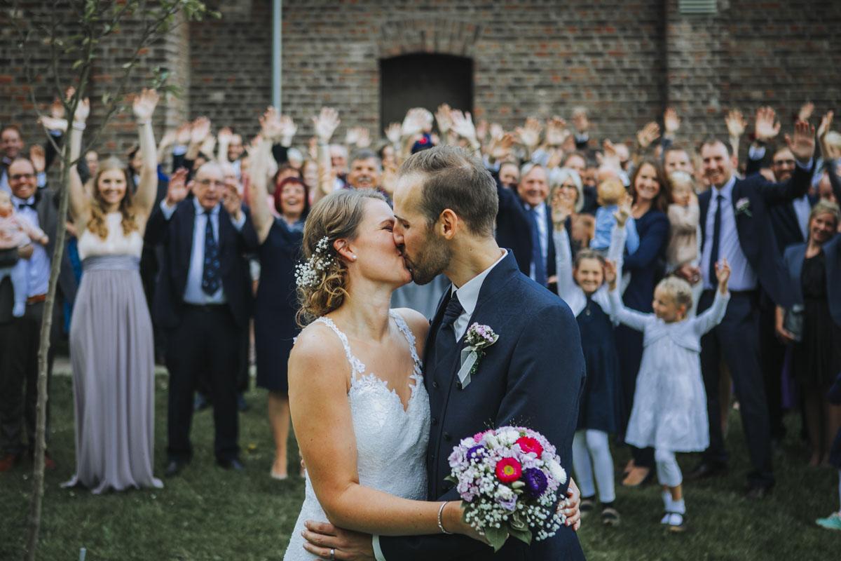 Silke + Clemens | Freie Trauung auf Gut Hohenholz - Fotografin Guelten Hamidanoglu Koeln Hochzeiten Hochzeitsfotos  174