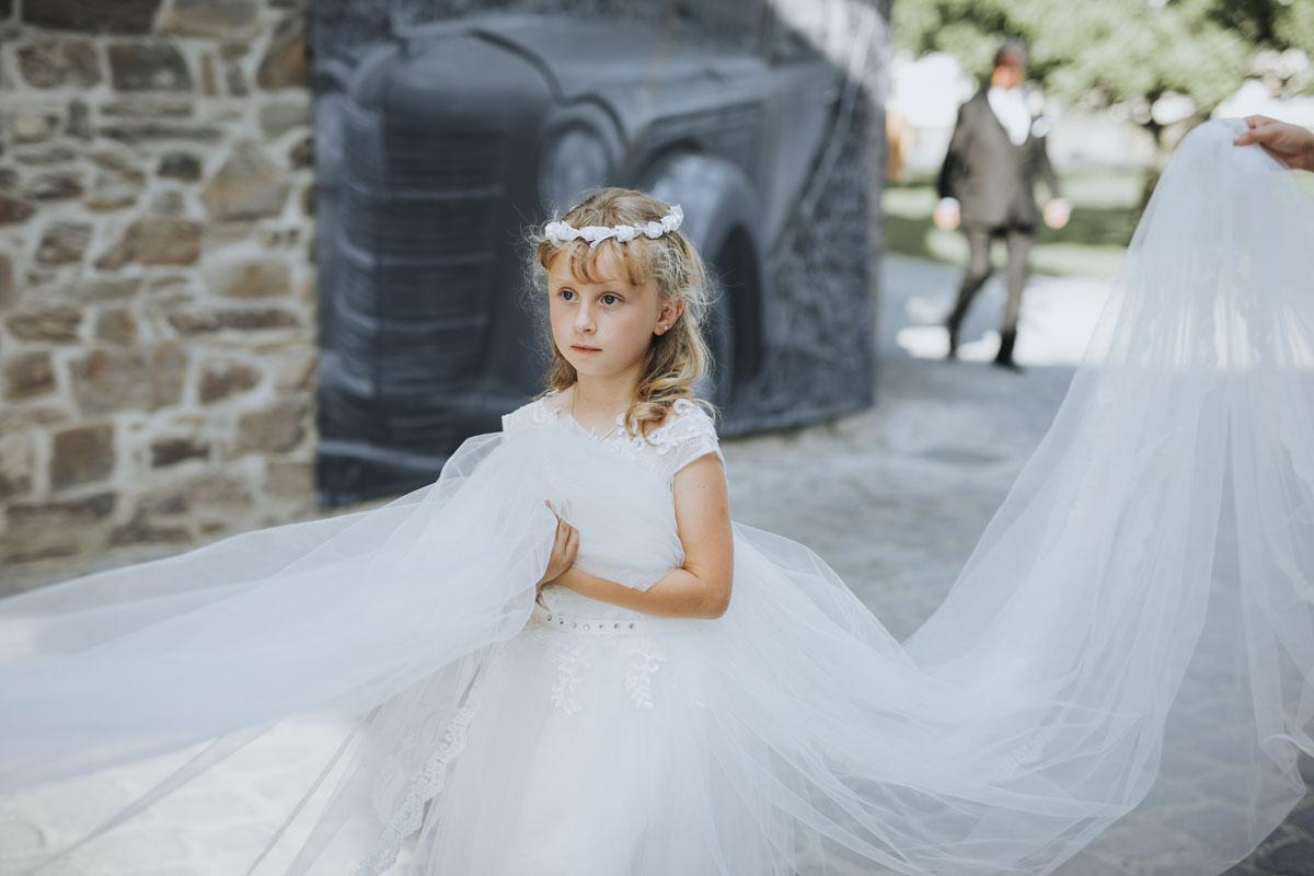 Patricia + Tom | Prinzessinnenhochzeit auf Ehreshoven - Fotografin Guelten Hamidanoglu Koeln Hochzeiten Hochzeitsfotos  205 2