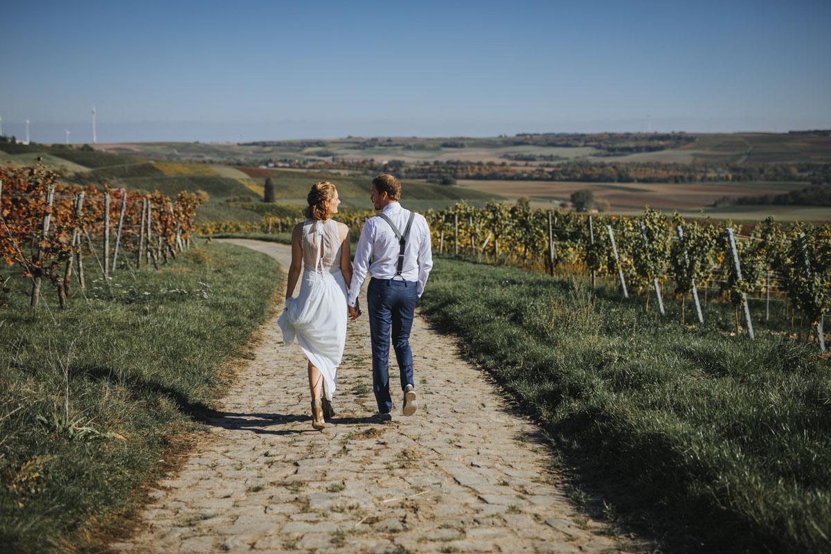Caro + Chris | Herbstliche Hochzeit auf Hof Herzberg - Fotografin Guelten Hamidanoglu Koeln Hochzeiten Hochzeitsfotos  213