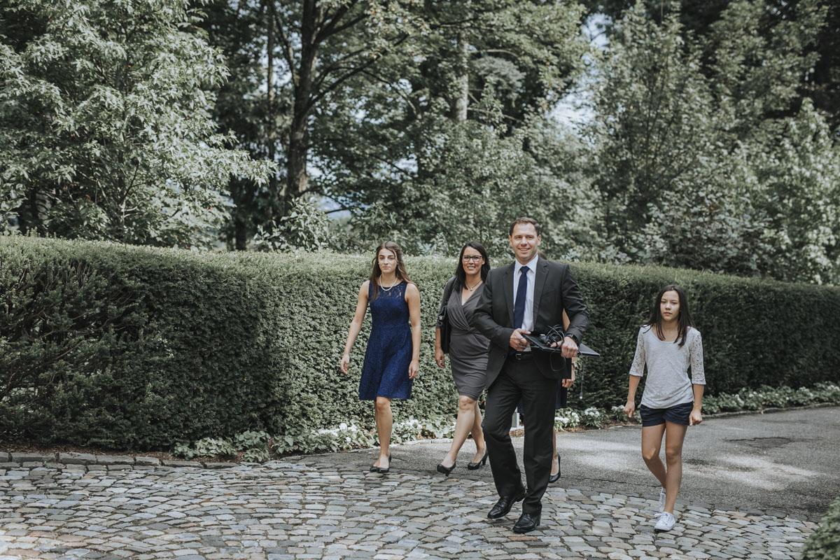 Alica+ Carsten | Freie Trauung im eigenen Garten - Fotografin Guelten Hamidanoglu Koeln Hochzeiten Hochzeitsfotos  22