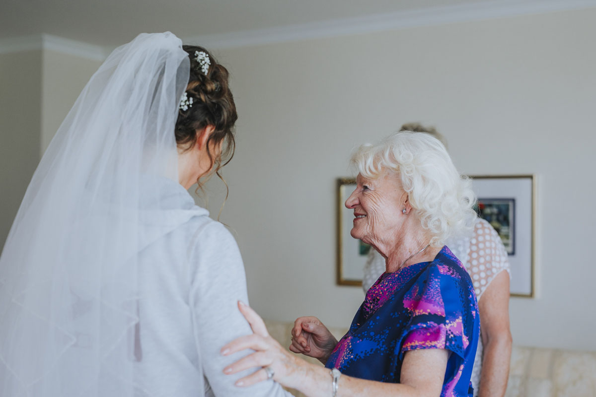 Alica+ Carsten | Freie Trauung im eigenen Garten - Fotografin Guelten Hamidanoglu Koeln Hochzeiten Hochzeitsfotos  23