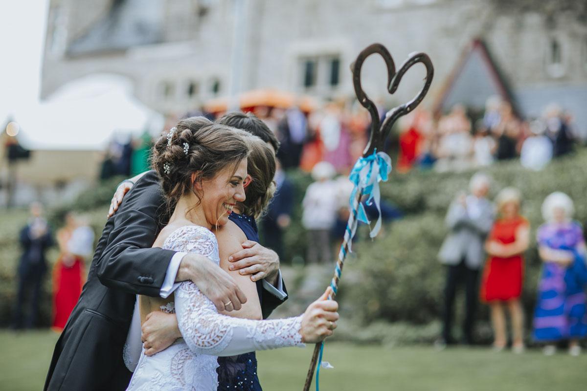 Alica+ Carsten | Freie Trauung im eigenen Garten - Fotografin Guelten Hamidanoglu Koeln Hochzeiten Hochzeitsfotos  230 1