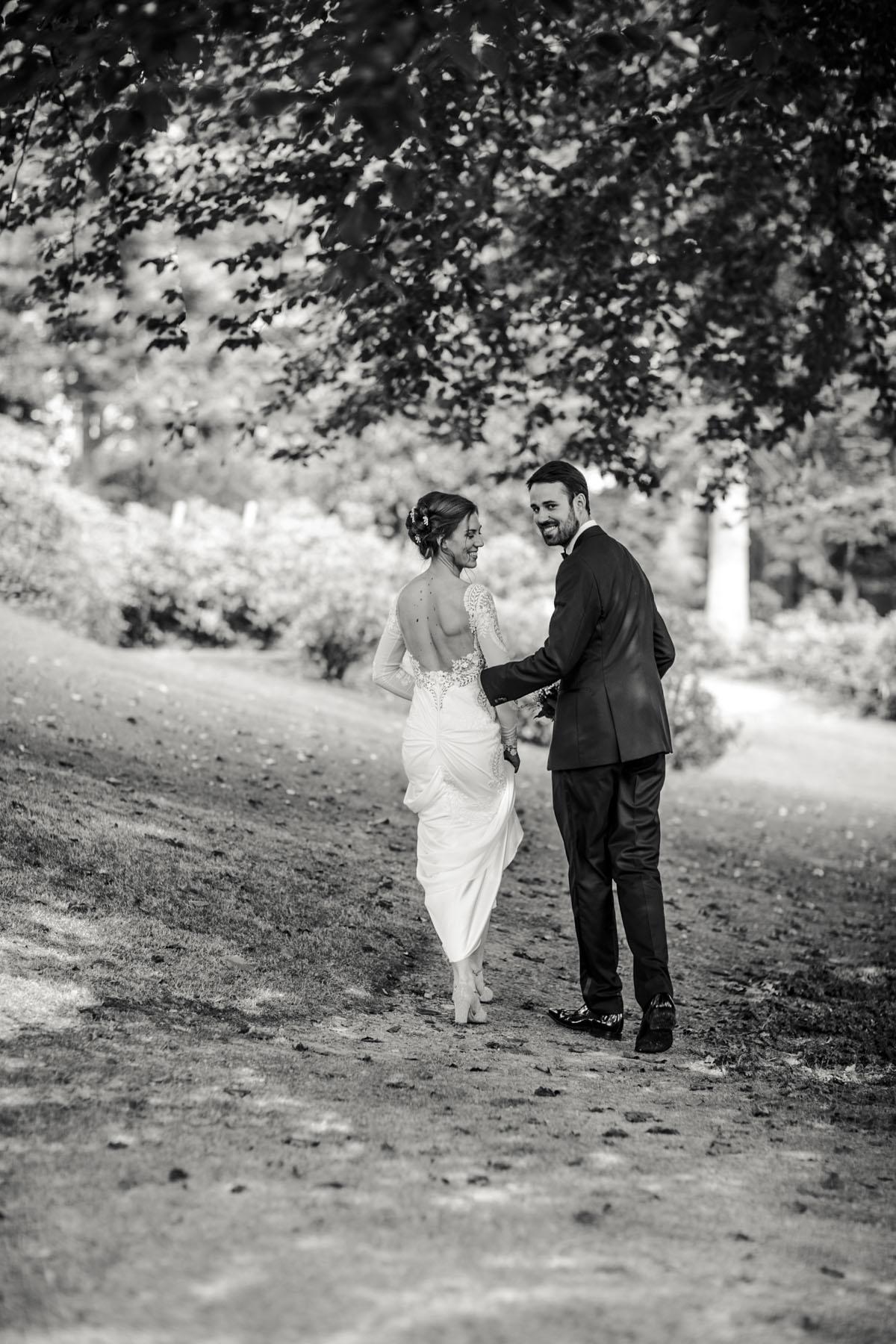 Alica+ Carsten | Freie Trauung im eigenen Garten - Fotografin Guelten Hamidanoglu Koeln Hochzeiten Hochzeitsfotos  239