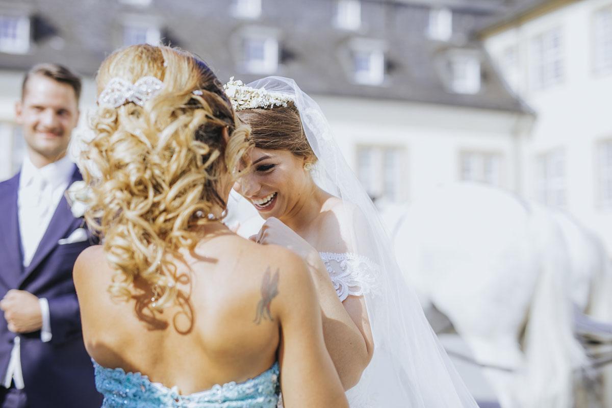 Patricia + Tom | Prinzessinnenhochzeit auf Ehreshoven - Fotografin Guelten Hamidanoglu Koeln Hochzeiten Hochzeitsfotos  241