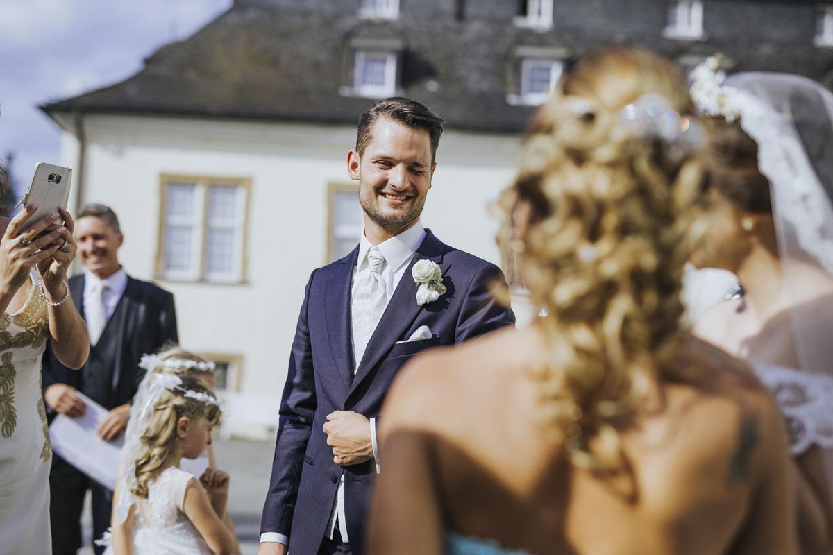 Patricia + Tom | Prinzessinnenhochzeit auf Ehreshoven - Fotografin Guelten Hamidanoglu Koeln Hochzeiten Hochzeitsfotos  242 1