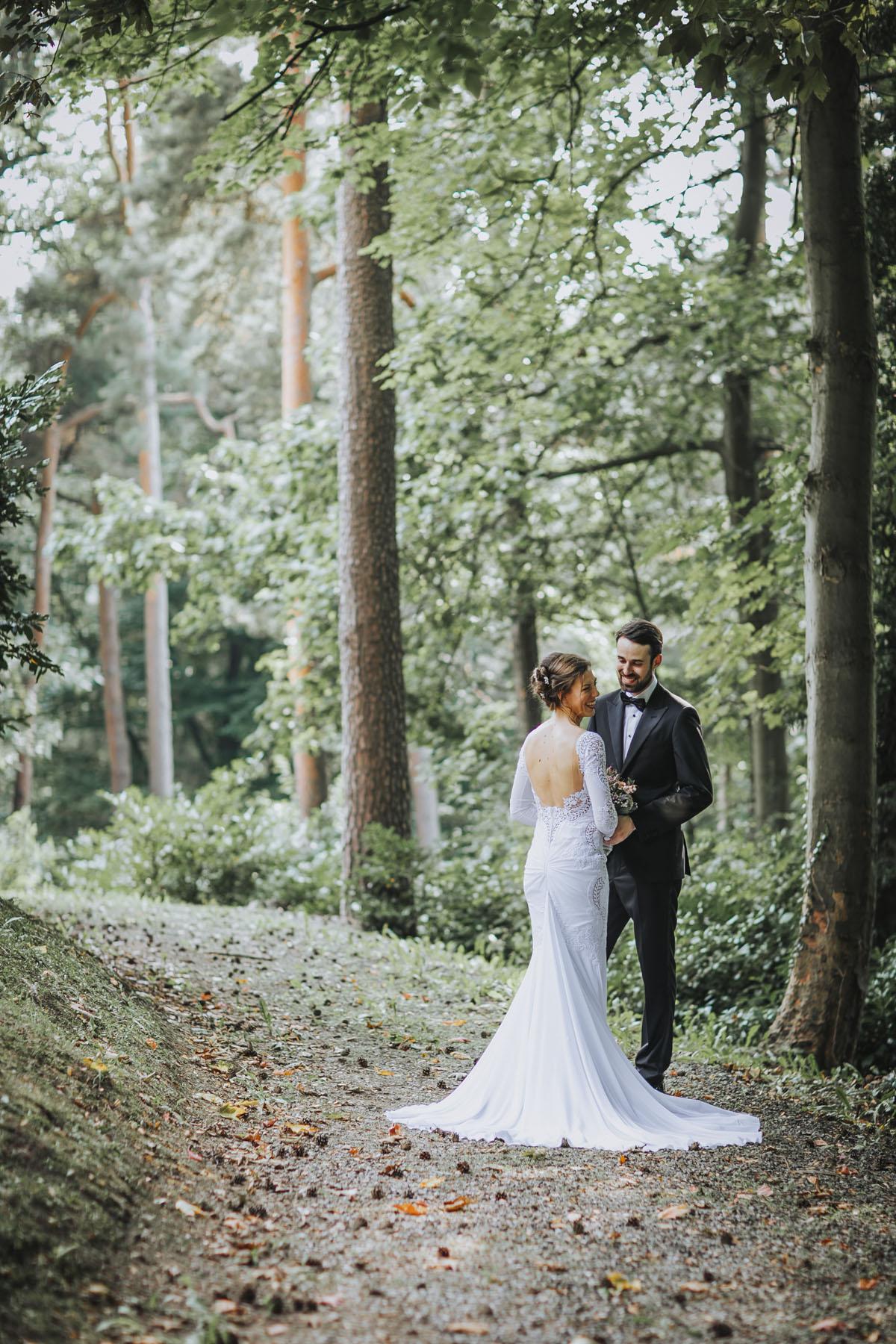 Alica+ Carsten | Freie Trauung im eigenen Garten - Fotografin Guelten Hamidanoglu Koeln Hochzeiten Hochzeitsfotos  246