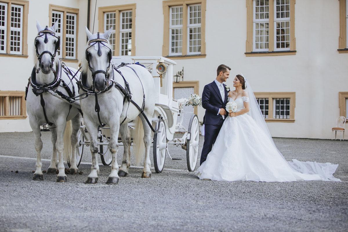 Patricia + Tom | Prinzessinnenhochzeit auf Ehreshoven - Fotografin Guelten Hamidanoglu Koeln Hochzeiten Hochzeitsfotos  259 1