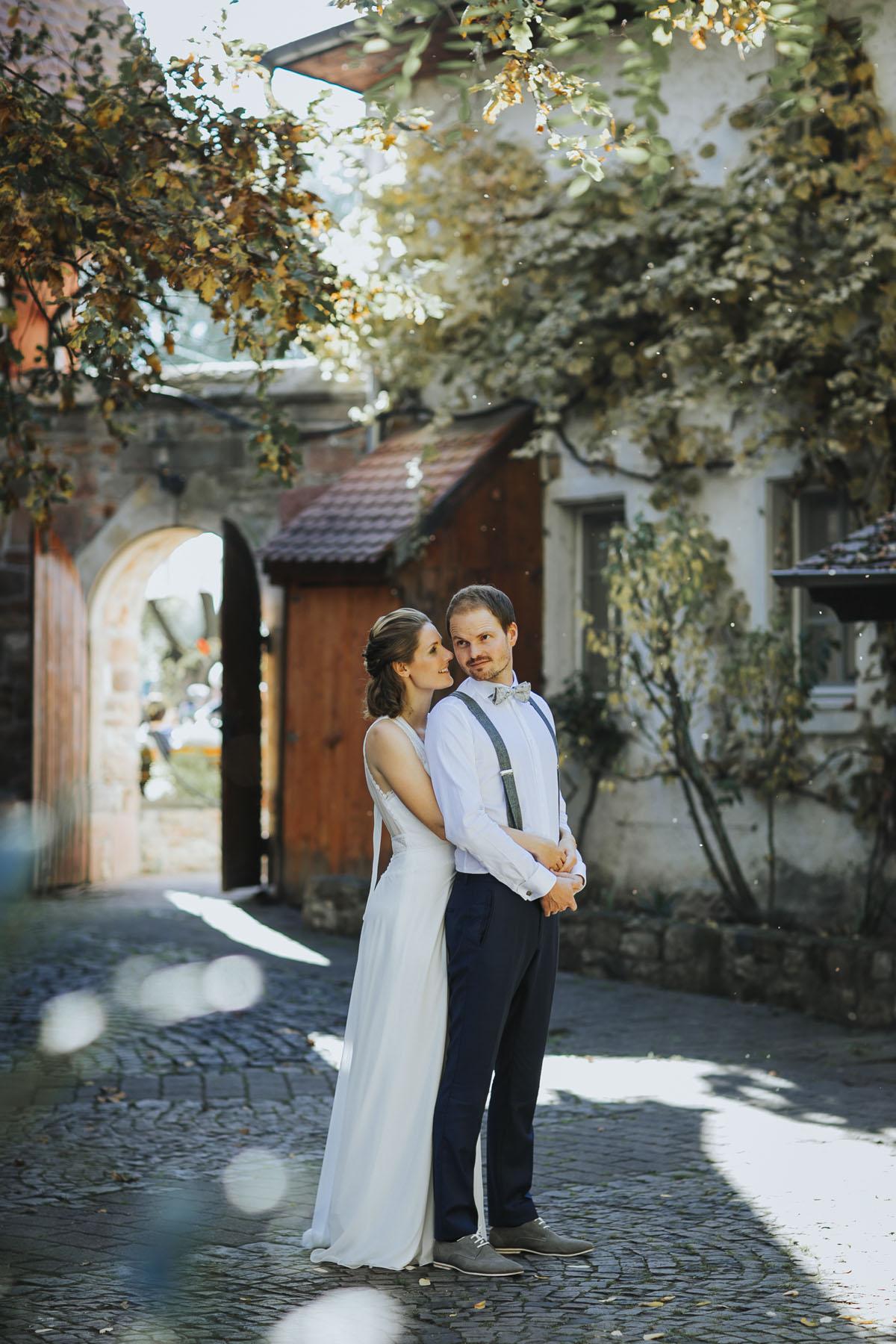 Caro + Chris | Herbstliche Hochzeit auf Hof Herzberg - Fotografin Guelten Hamidanoglu Koeln Hochzeiten Hochzeitsfotos  260