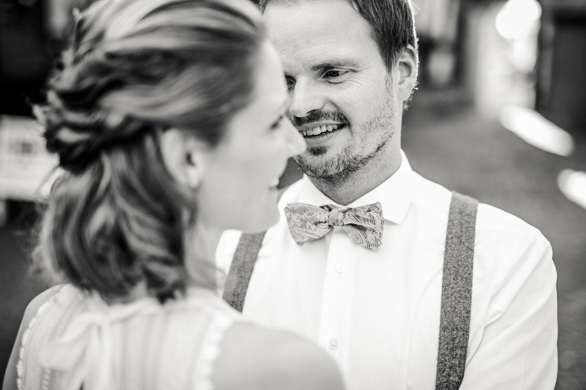 Caro + Chris | Herbstliche Hochzeit auf Hof Herzberg - Fotografin Guelten Hamidanoglu Koeln Hochzeiten Hochzeitsfotos  277