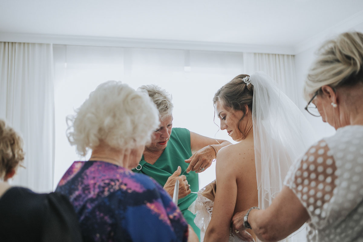 Alica+ Carsten | Freie Trauung im eigenen Garten - Fotografin Guelten Hamidanoglu Koeln Hochzeiten Hochzeitsfotos  28