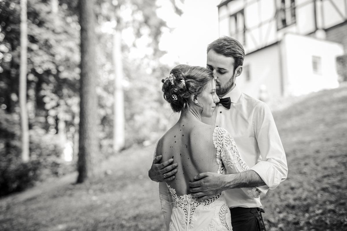 Alica+ Carsten | Freie Trauung im eigenen Garten - Fotografin Guelten Hamidanoglu Koeln Hochzeiten Hochzeitsfotos  286