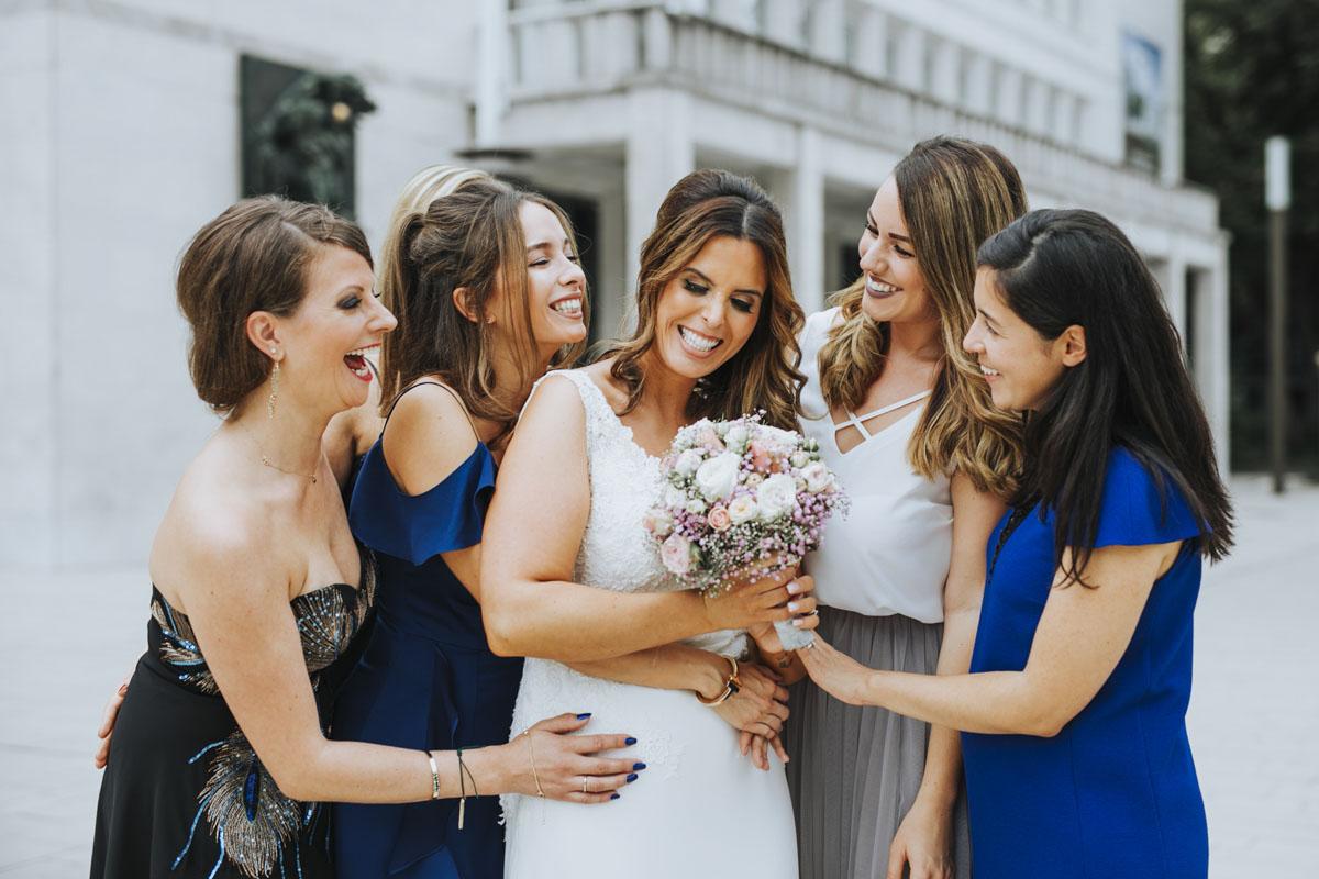 Janine+ Boris | Wir überraschen unsere Hochzeitsgäste mit dem bauwerk in Köln - Fotografin Guelten Hamidanoglu Koeln Hochzeiten Hochzeitsfotos  293