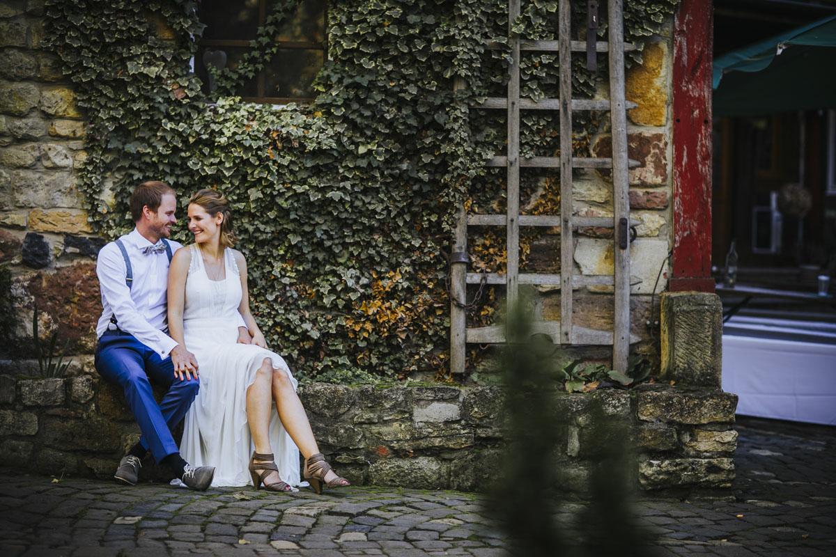 Caro + Chris | Herbstliche Hochzeit auf Hof Herzberg - Fotografin Guelten Hamidanoglu Koeln Hochzeiten Hochzeitsfotos  300
