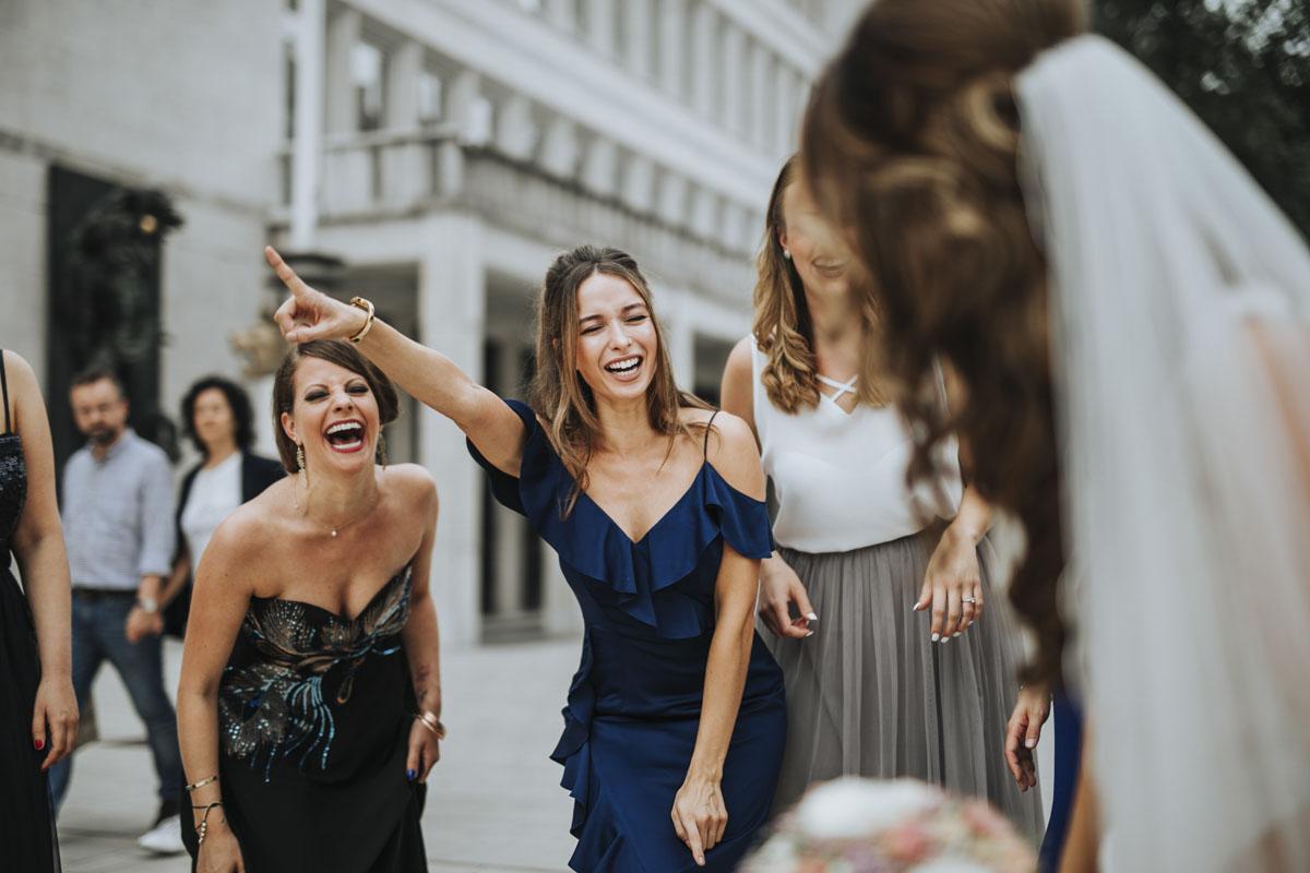 Janine+ Boris | Wir überraschen unsere Hochzeitsgäste mit dem bauwerk in Köln - Fotografin Guelten Hamidanoglu Koeln Hochzeiten Hochzeitsfotos  307