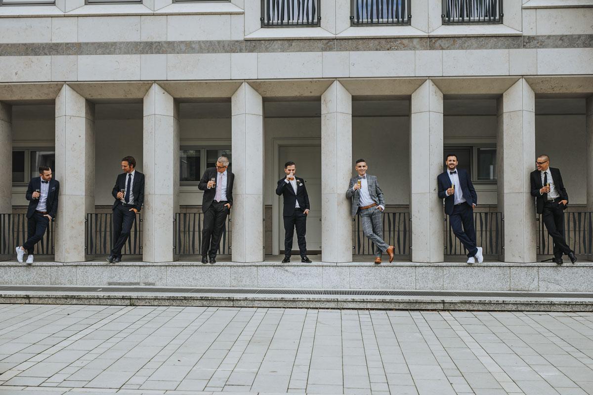 Janine+ Boris | Wir überraschen unsere Hochzeitsgäste mit dem bauwerk in Köln - Fotografin Guelten Hamidanoglu Koeln Hochzeiten Hochzeitsfotos  318