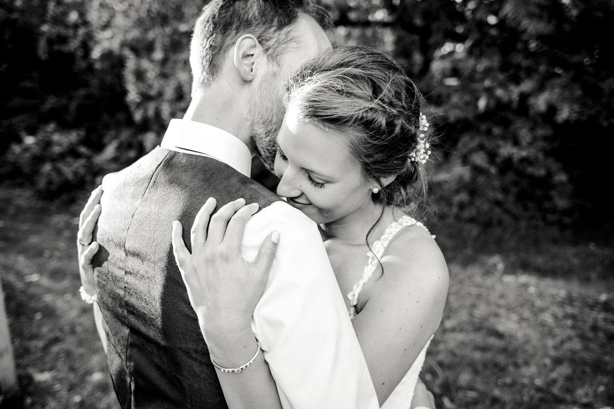 Silke + Clemens | Freie Trauung auf Gut Hohenholz - Fotografin Guelten Hamidanoglu Koeln Hochzeiten Hochzeitsfotos  326 1