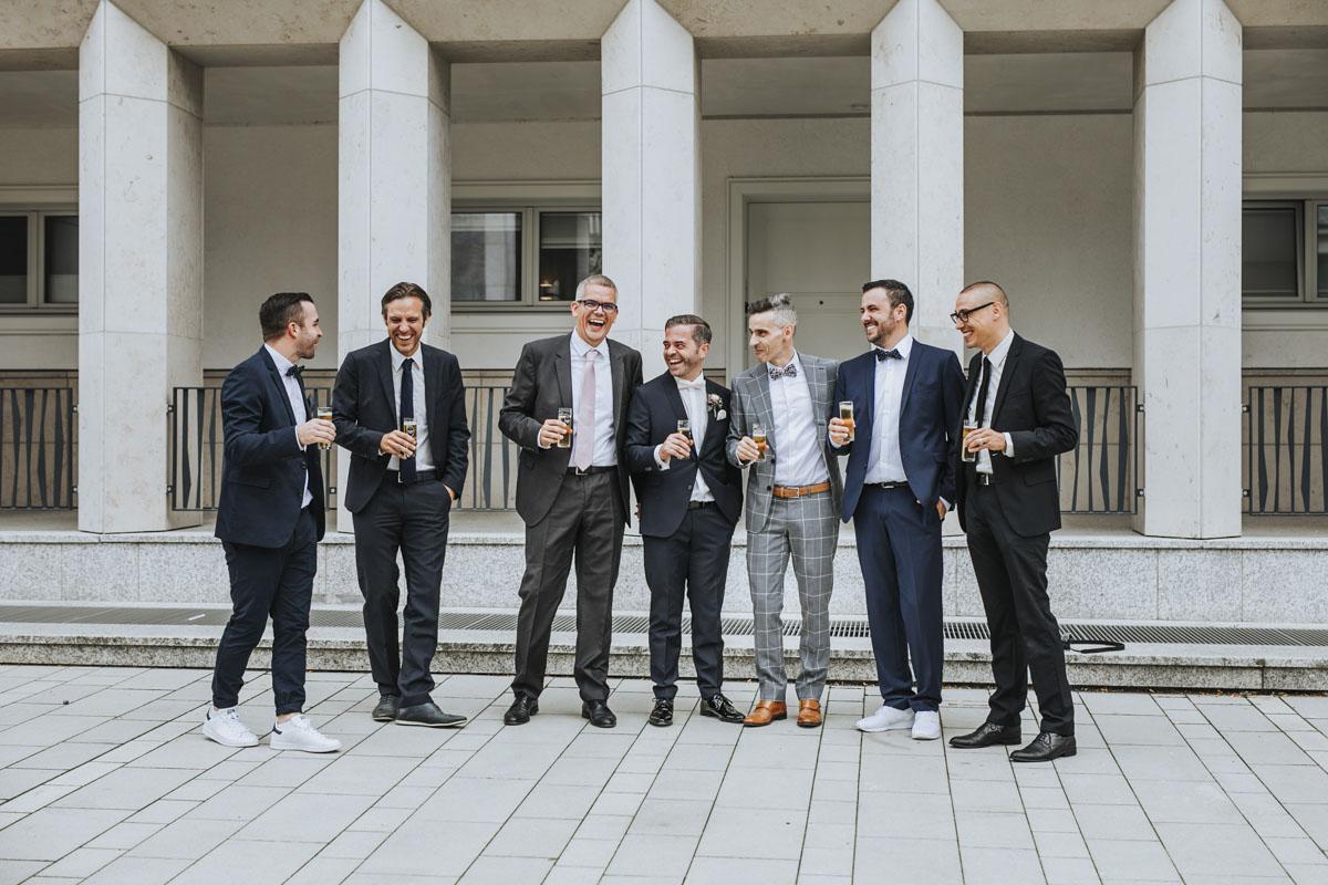 Janine+ Boris | Wir überraschen unsere Hochzeitsgäste mit dem bauwerk in Köln - Fotografin Guelten Hamidanoglu Koeln Hochzeiten Hochzeitsfotos  326