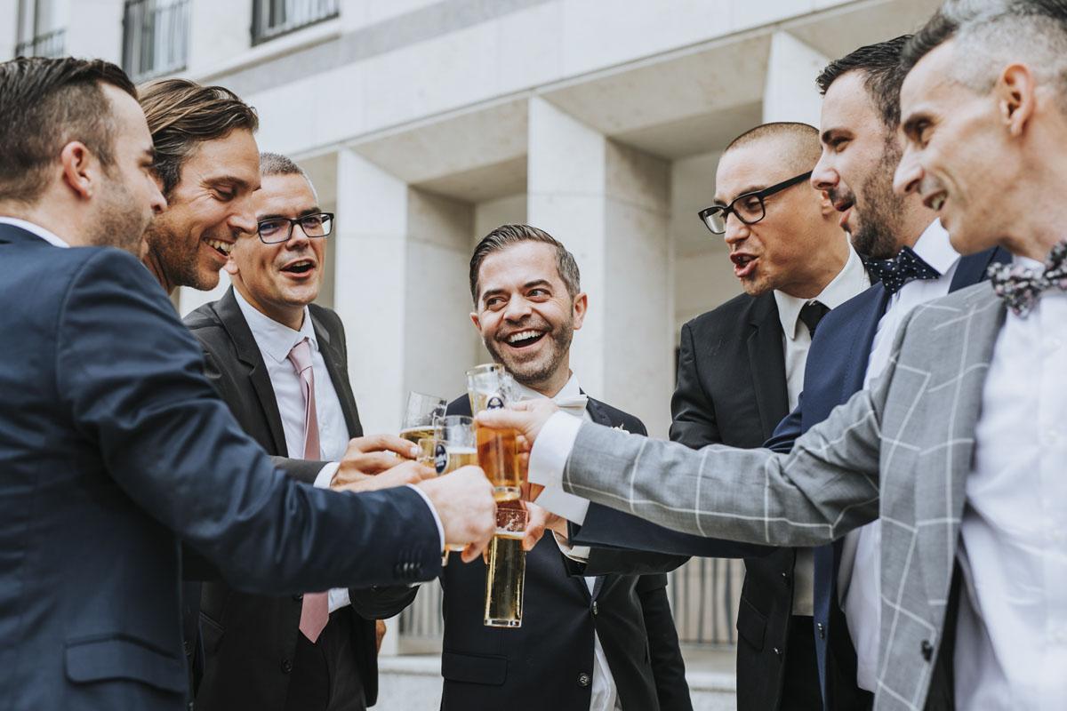 Janine+ Boris | Wir überraschen unsere Hochzeitsgäste mit dem bauwerk in Köln - Fotografin Guelten Hamidanoglu Koeln Hochzeiten Hochzeitsfotos  331 1