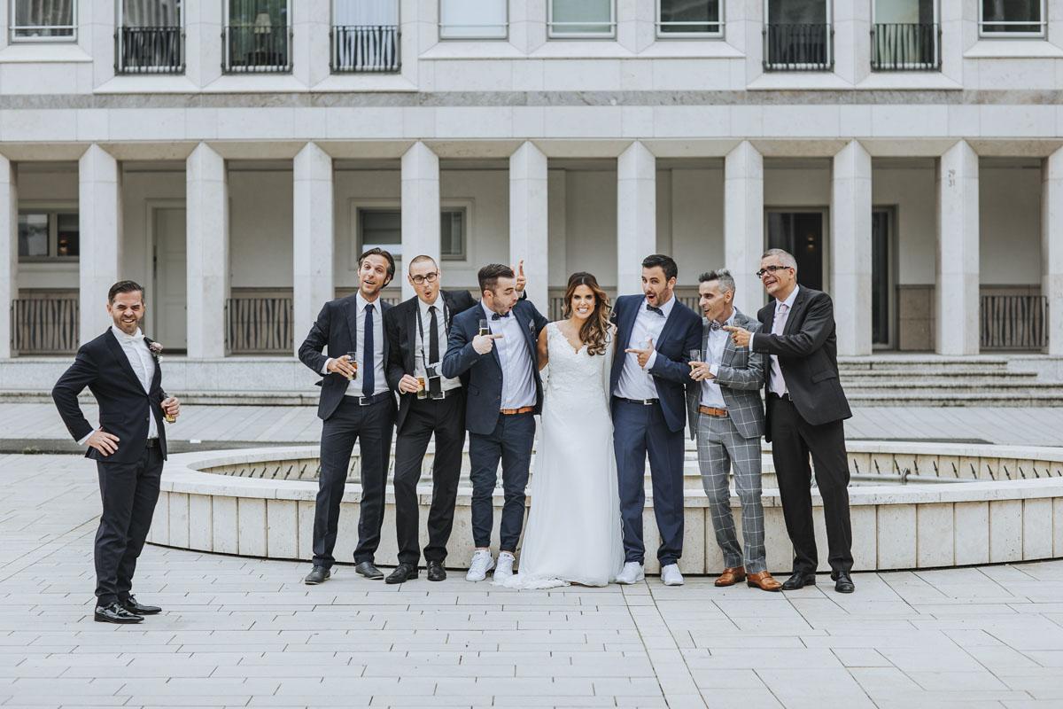 Janine+ Boris | Wir überraschen unsere Hochzeitsgäste mit dem bauwerk in Köln - Fotografin Guelten Hamidanoglu Koeln Hochzeiten Hochzeitsfotos  332