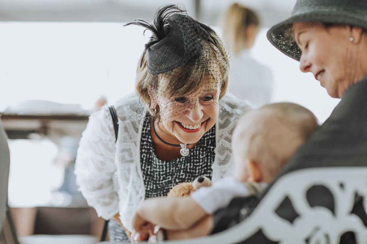 Janine+ Boris | Wir überraschen unsere Hochzeitsgäste mit dem bauwerk in Köln - Fotografin Guelten Hamidanoglu Koeln Hochzeiten Hochzeitsfotos  350