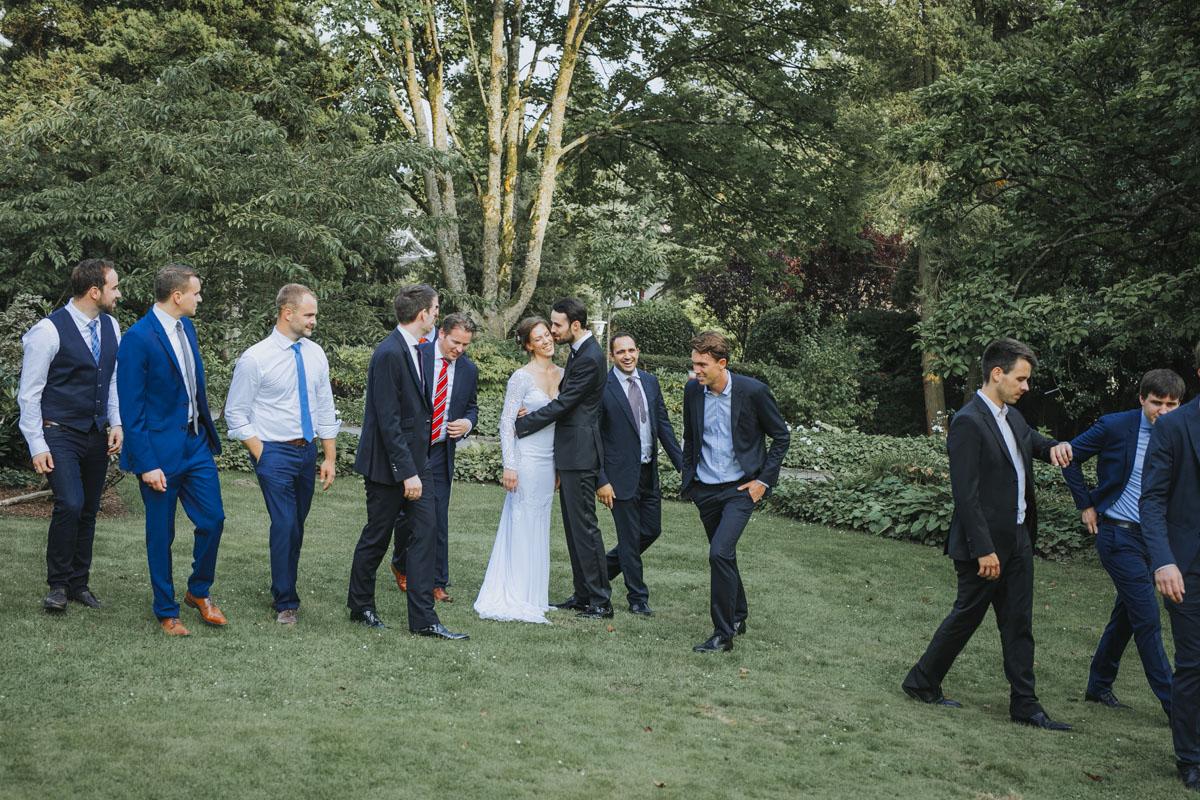 Alica+ Carsten | Freie Trauung im eigenen Garten - Fotografin Guelten Hamidanoglu Koeln Hochzeiten Hochzeitsfotos  372