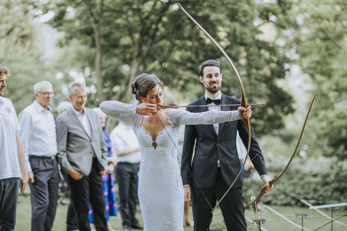 Alica+ Carsten | Freie Trauung im eigenen Garten - Fotografin Guelten Hamidanoglu Koeln Hochzeiten Hochzeitsfotos  377
