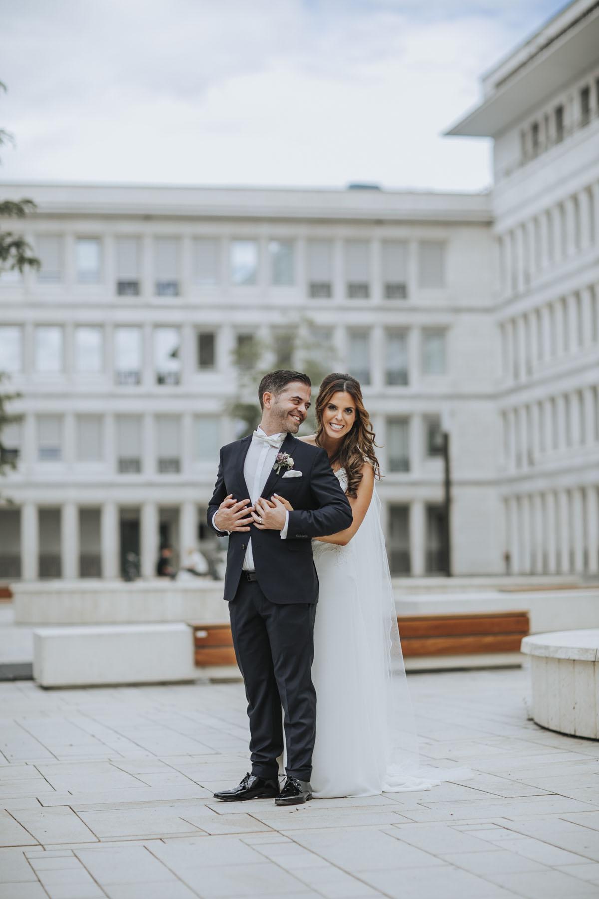 Janine+ Boris | Wir überraschen unsere Hochzeitsgäste mit dem bauwerk in Köln - Fotografin Guelten Hamidanoglu Koeln Hochzeiten Hochzeitsfotos  393