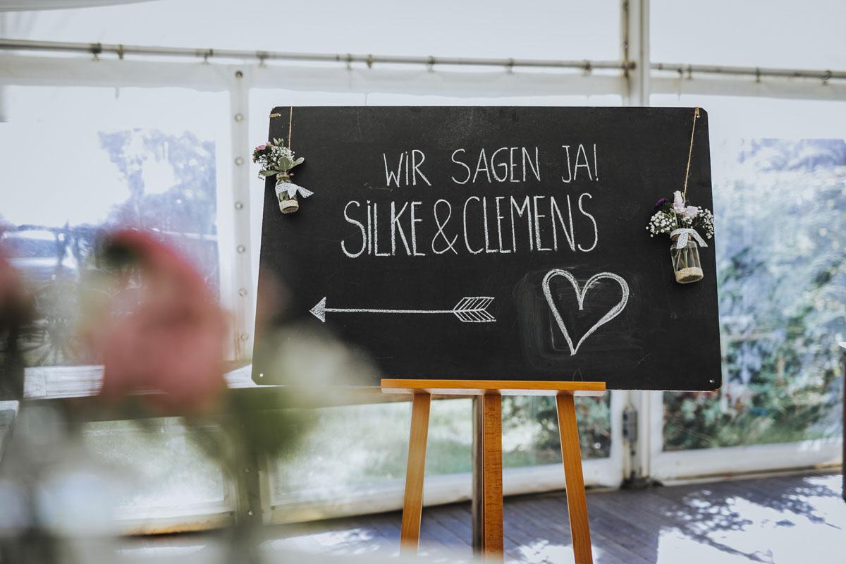 Silke + Clemens | Freie Trauung auf Gut Hohenholz - Fotografin Guelten Hamidanoglu Koeln Hochzeiten Hochzeitsfotos  4 1