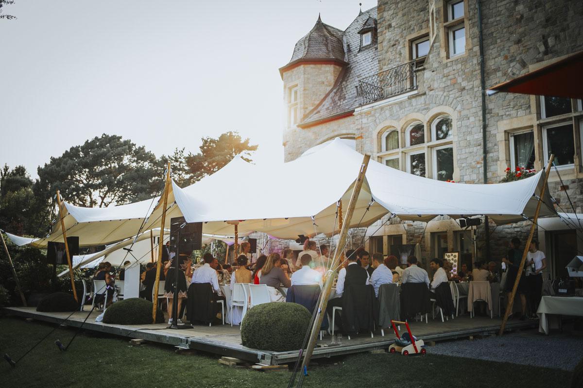 Alica+ Carsten | Freie Trauung im eigenen Garten - Fotografin Guelten Hamidanoglu Koeln Hochzeiten Hochzeitsfotos  421 1