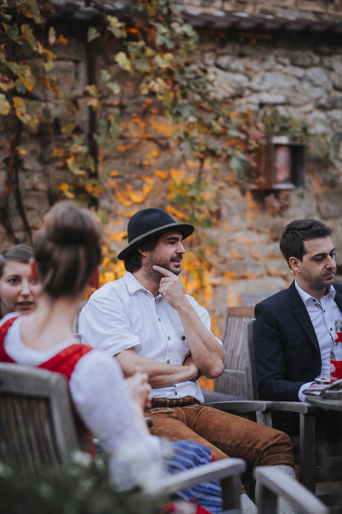 Caro + Chris | Herbstliche Hochzeit auf Hof Herzberg - Fotografin Guelten Hamidanoglu Koeln Hochzeiten Hochzeitsfotos  458
