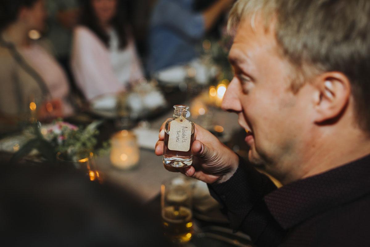 Caro + Chris | Herbstliche Hochzeit auf Hof Herzberg - Fotografin Guelten Hamidanoglu Koeln Hochzeiten Hochzeitsfotos  470