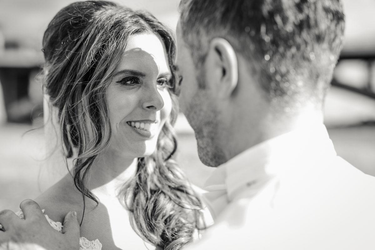 Janine+ Boris | Wir überraschen unsere Hochzeitsgäste mit dem bauwerk in Köln - Fotografin Guelten Hamidanoglu Koeln Hochzeiten Hochzeitsfotos  512 1