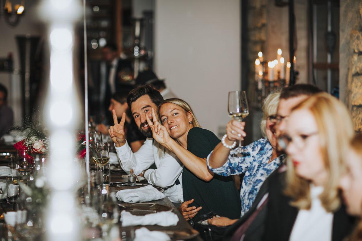 Caro + Chris | Herbstliche Hochzeit auf Hof Herzberg - Fotografin Guelten Hamidanoglu Koeln Hochzeiten Hochzeitsfotos  512