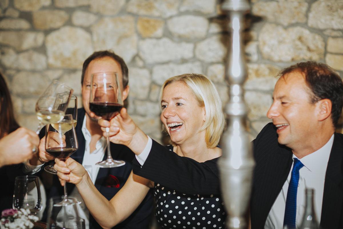 Caro + Chris | Herbstliche Hochzeit auf Hof Herzberg - Fotografin Guelten Hamidanoglu Koeln Hochzeiten Hochzeitsfotos  541