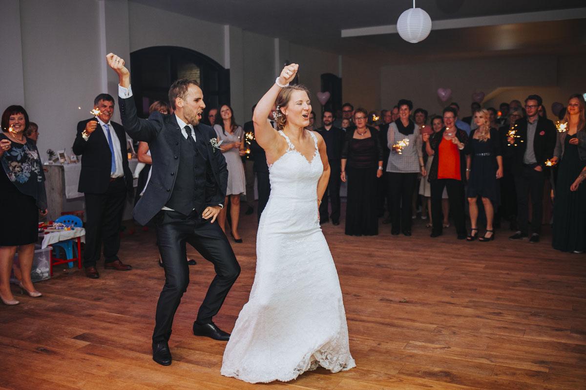 Silke + Clemens | Freie Trauung auf Gut Hohenholz - Fotografin Guelten Hamidanoglu Koeln Hochzeiten Hochzeitsfotos  548