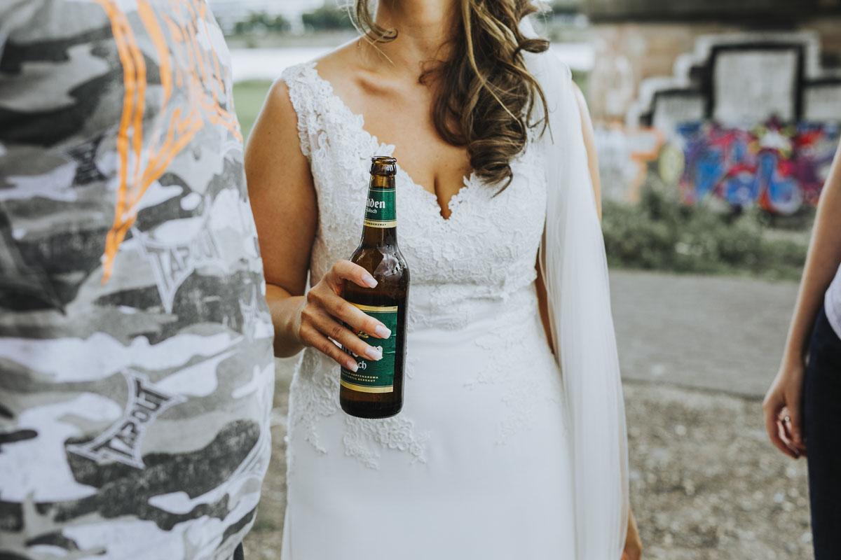 Janine+ Boris | Wir überraschen unsere Hochzeitsgäste mit dem bauwerk in Köln - Fotografin Guelten Hamidanoglu Koeln Hochzeiten Hochzeitsfotos  549