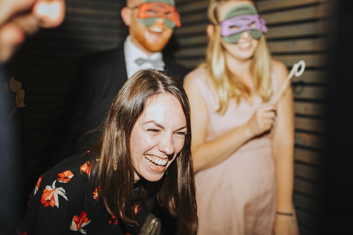 Caro + Chris | Herbstliche Hochzeit auf Hof Herzberg - Fotografin Guelten Hamidanoglu Koeln Hochzeiten Hochzeitsfotos  572