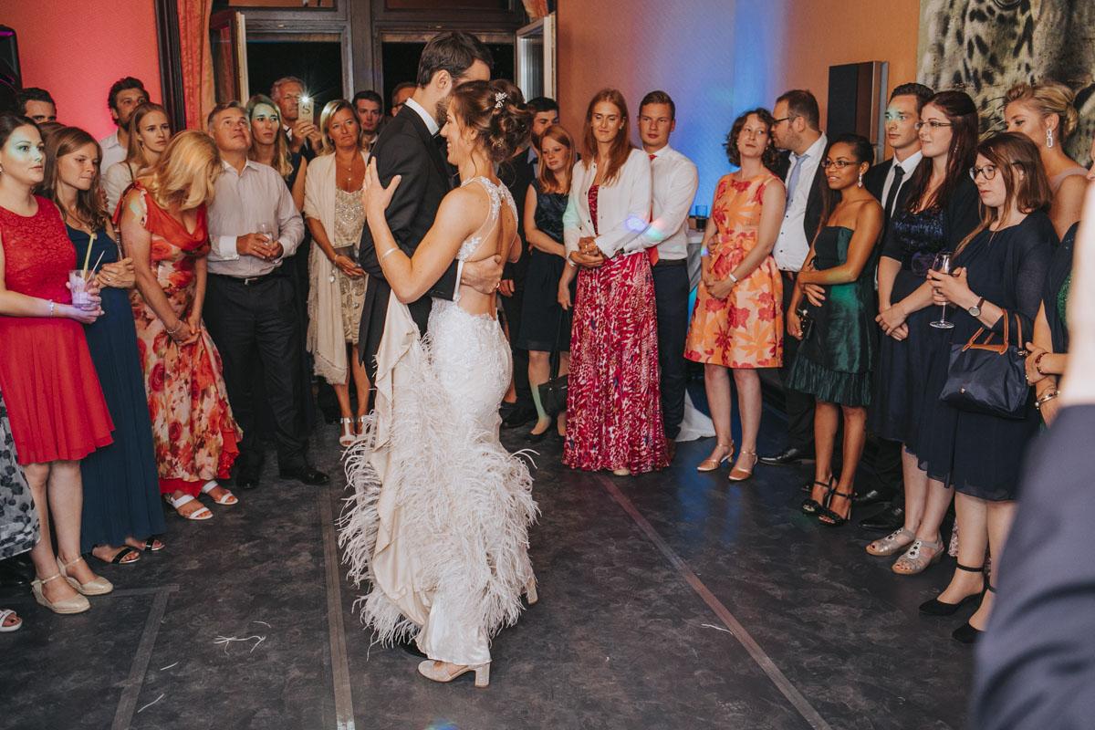 Alica+ Carsten | Freie Trauung im eigenen Garten - Fotografin Guelten Hamidanoglu Koeln Hochzeiten Hochzeitsfotos  580