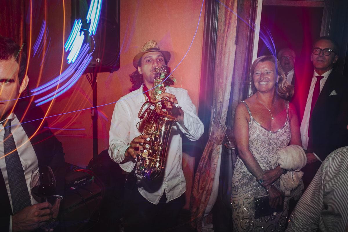 Alica+ Carsten | Freie Trauung im eigenen Garten - Fotografin Guelten Hamidanoglu Koeln Hochzeiten Hochzeitsfotos  583