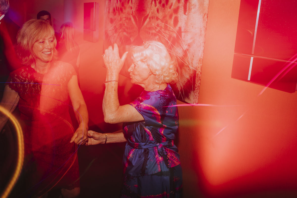 Alica+ Carsten | Freie Trauung im eigenen Garten - Fotografin Guelten Hamidanoglu Koeln Hochzeiten Hochzeitsfotos  591