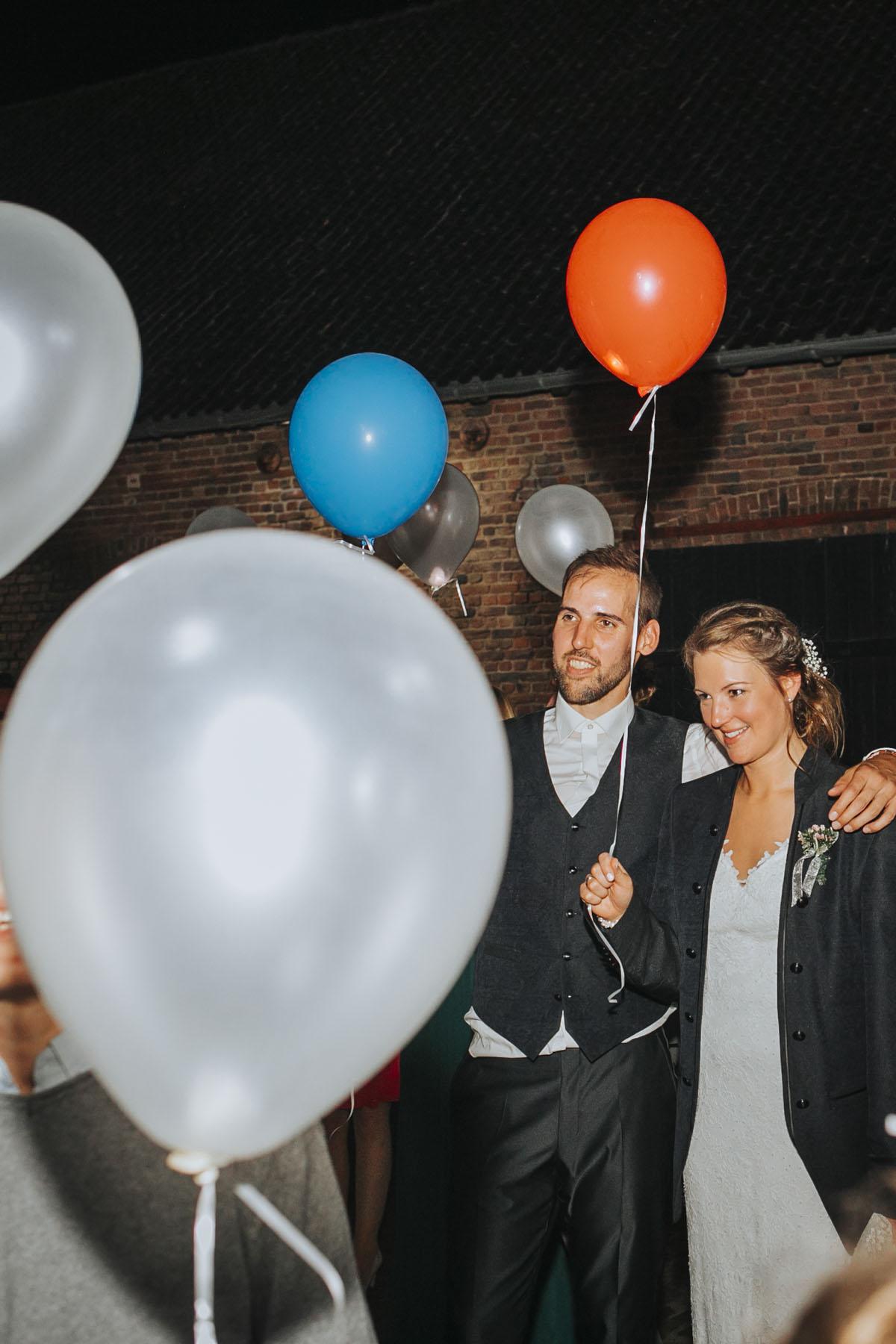 Silke + Clemens | Freie Trauung auf Gut Hohenholz - Fotografin Guelten Hamidanoglu Koeln Hochzeiten Hochzeitsfotos  606 1